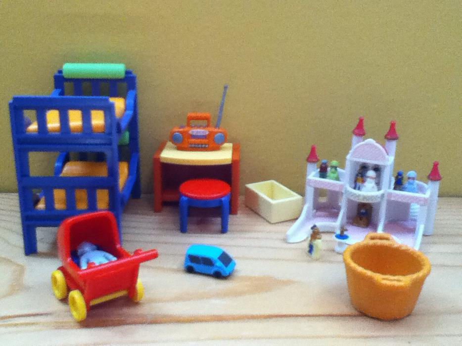 Playmobil kitchen living room kids bedroom and family for Playmobil living room 4282