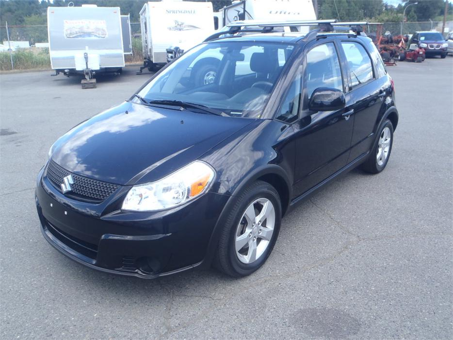 2010 suzuki sx4 crossover jx awd outside okanagan okanagan mobile. Black Bedroom Furniture Sets. Home Design Ideas
