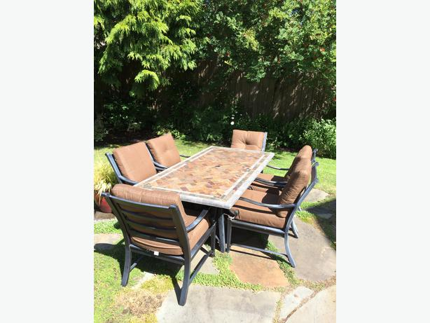 Outdoor dining set with 6 chairs oak bay victoria for Used patio dining sets