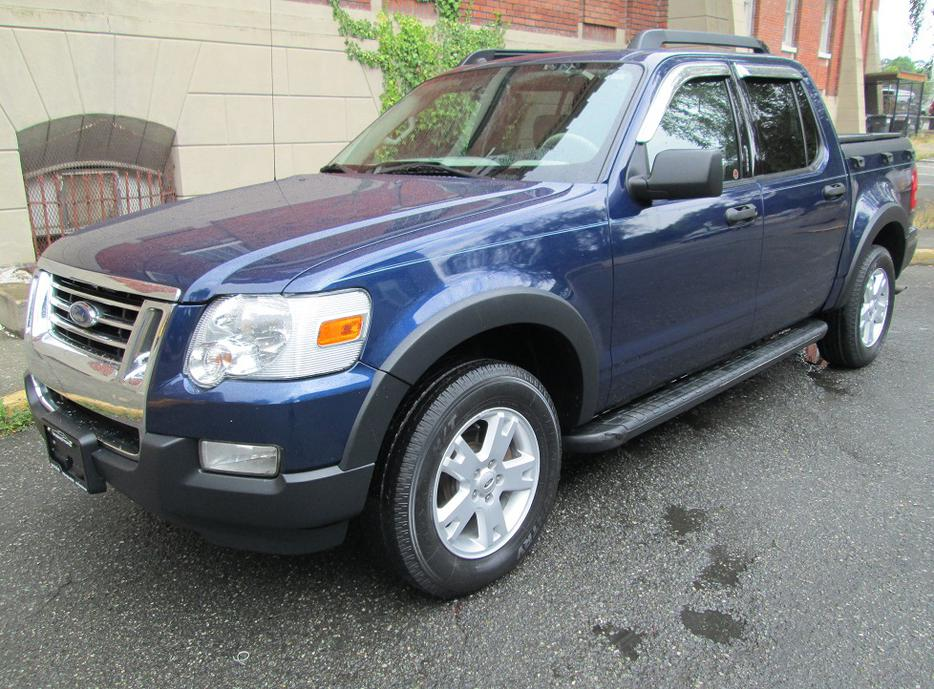 2007 ford explorer sport trac xlt 4x4 local vehicle outside nanaimo nanaimo mobile. Black Bedroom Furniture Sets. Home Design Ideas