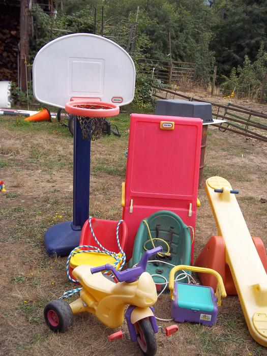 Used Yard Toys : Yard toys cobble hill cowichan mobile