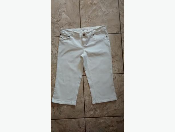 Ladies White Garage Capris - Size 7