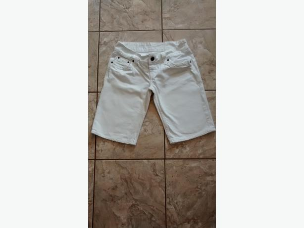 Ladies White Jean Shorts - Size 28
