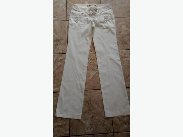 Ladies Beautiful White Pants - Size 7