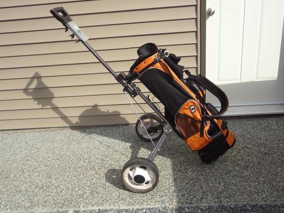 Ogio Junior Golf Bag And Pull Cart Central Nanaimo Nanaimo Mobile