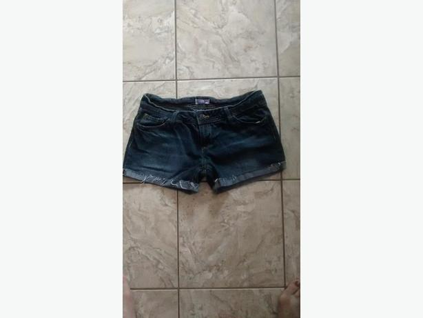 Ladies Shorts - Size 7