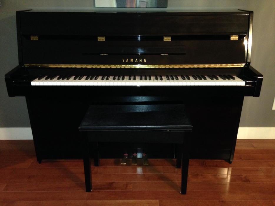 Yamaha c108 black piano saanich victoria for Yamaha piano store winnipeg