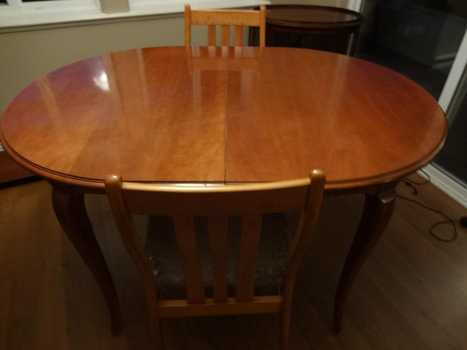 Gibbard Extendable Dining Room Table Saanich Victoria : 48178547934 from www.usedvictoria.com size 934 x 700 jpeg 38kB