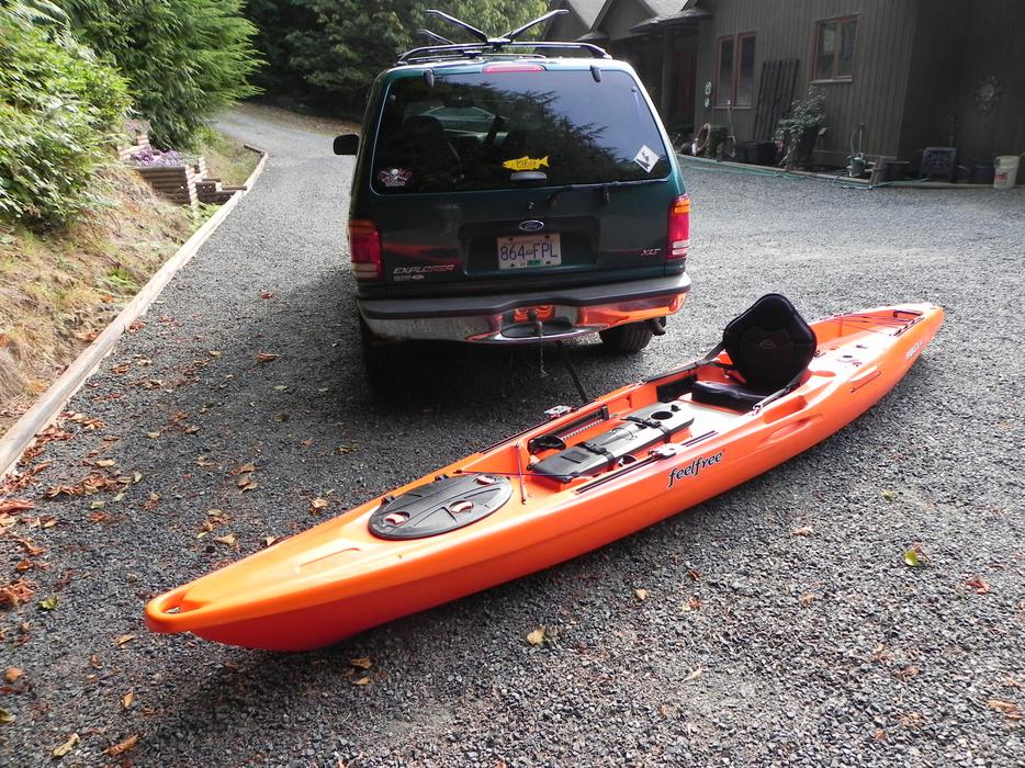 Moken 14 feel free fishing kayak sooke victoria mobile for Used fishing kayak