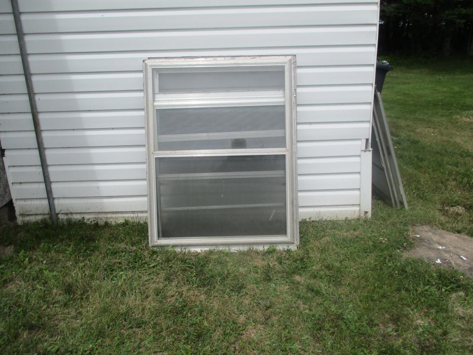 Aluminum storm windows with screens kings county pei for Aluminum storm windows