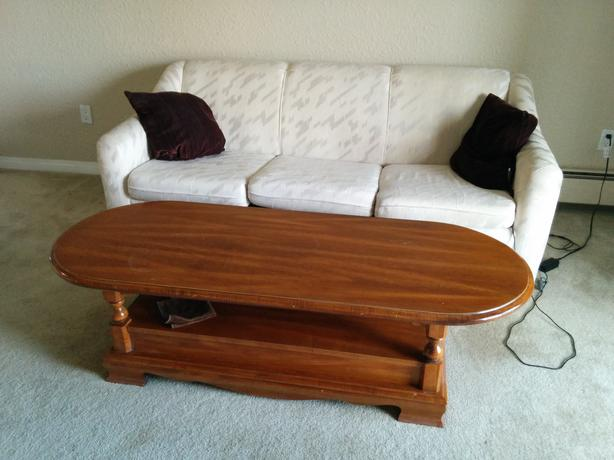 Free stuff sofa with bed center coffee table chest for Sofa central table