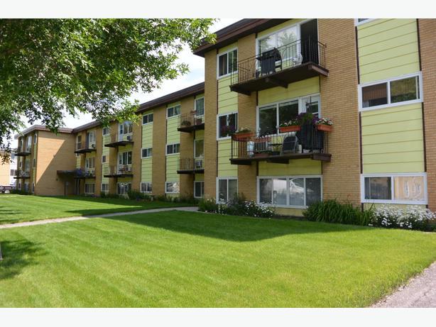 2 Bedroom Apartment In South Regina 4040 Retallack Street South Regina Regina Mobile