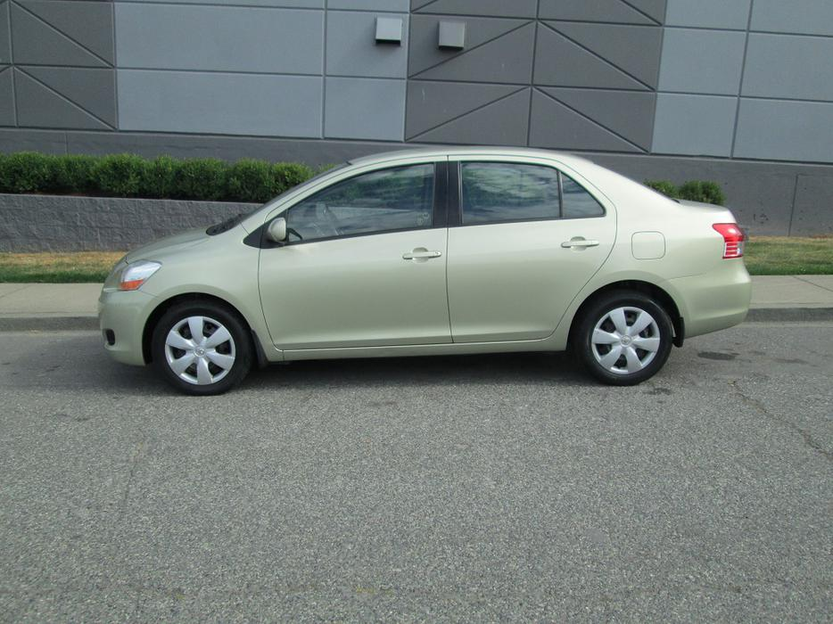 2008 toyota yaris on sale no accidents outside nanaimo nanaimo mobile. Black Bedroom Furniture Sets. Home Design Ideas