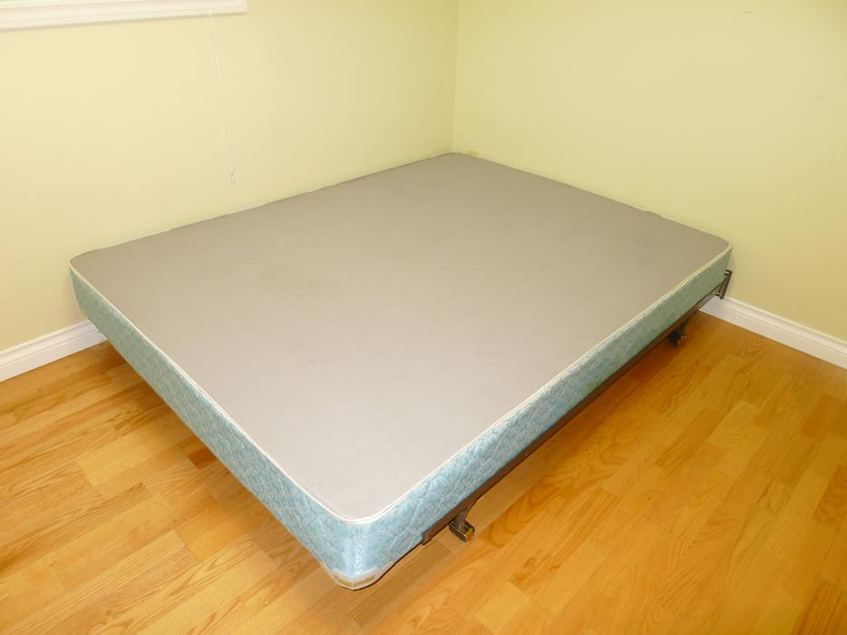 serta queen size mattress box spring delivery available saanich victoria. Black Bedroom Furniture Sets. Home Design Ideas