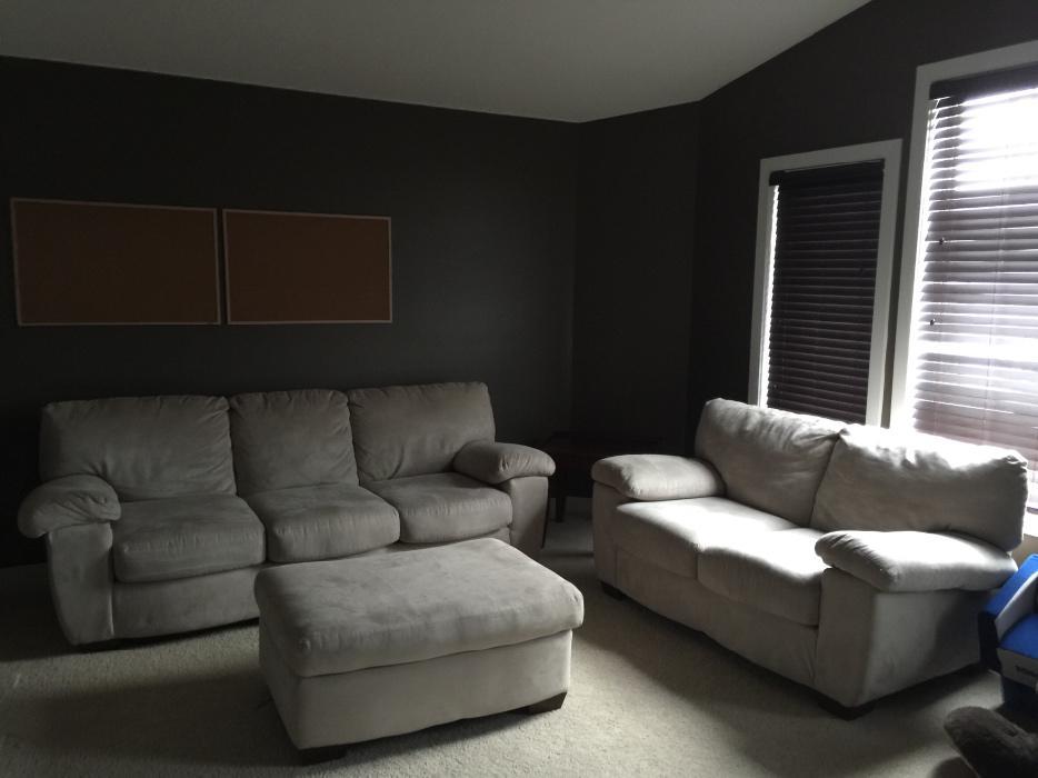 Living room furniture east regina regina for Used living room furniture