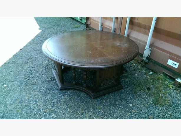 Solid Wood Round Coffee Table Central Nanaimo Parksville Qualicum Beach