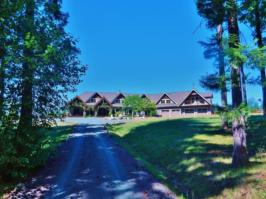 Fabulous 7 acre jinglepot estate north nanaimo nanaimo for 7 summerland terrace