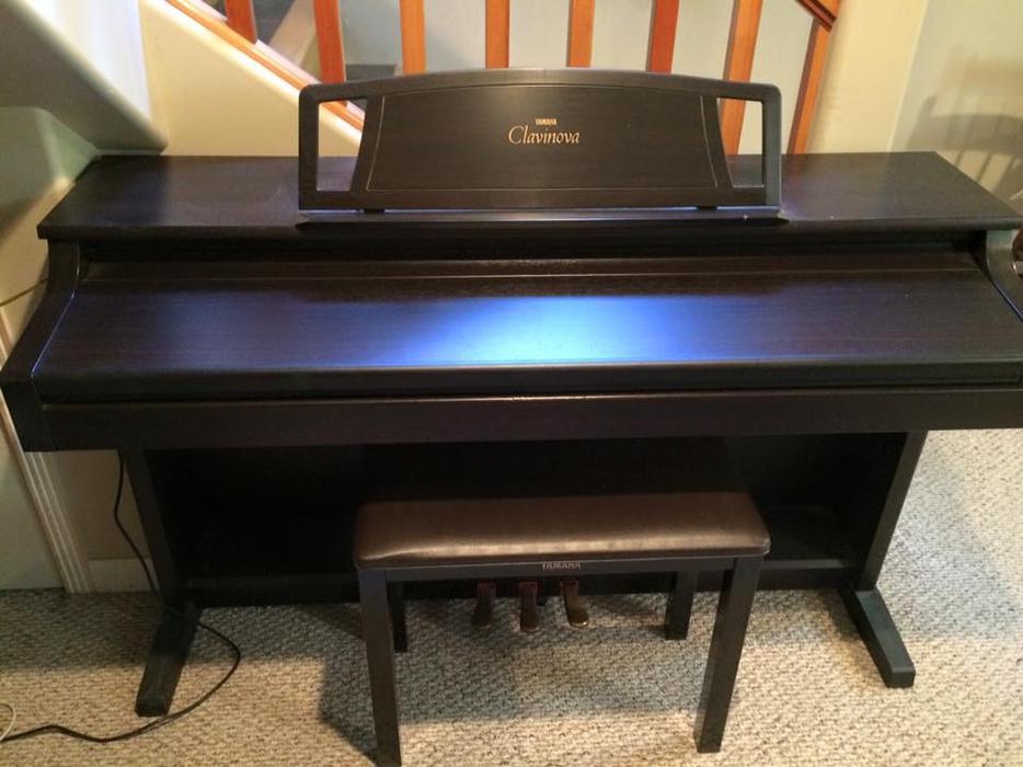 Yamaha clavinova electric piano model clp 511 north for Yamaha piano store winnipeg