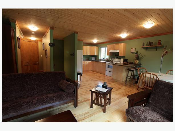 1 brd suite above garage in sooke avail sept 1 sooke victoria for Suite above garage