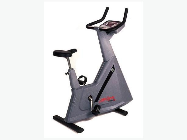 how to turn on life fitness bike