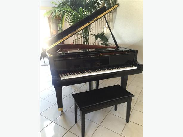 Weber baby grand piano north nanaimo nanaimo for Dimensions baby grand piano