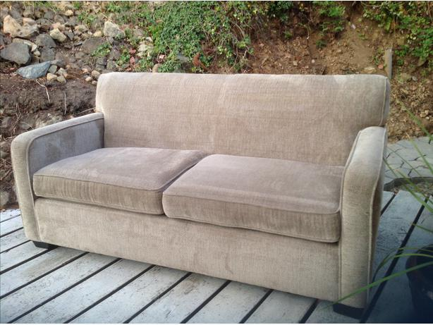 Very comfortable sofa bed shawnigan lake cowichan for Sofa bed very