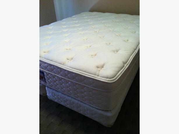serta queen mattress box spring oak bay victoria. Black Bedroom Furniture Sets. Home Design Ideas