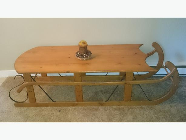 Old Fashioned Sleigh Coffee Table Esquimalt View Royal Victoria