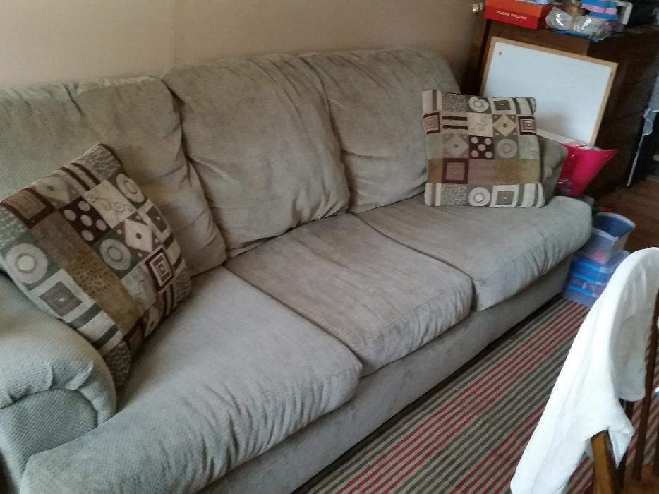 free sofa with matching pillows west shore langford colwood metchosin highlands victoria. Black Bedroom Furniture Sets. Home Design Ideas
