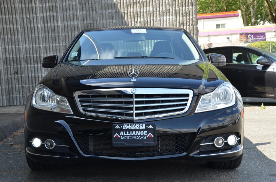 2012 mercedes benz c class c250 4matic outside victoria for Mercedes benz bay ridge