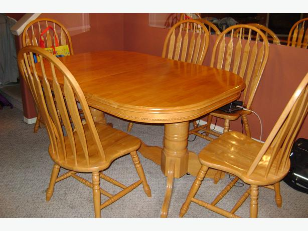 Solid Wooden Oval Dining Table And 6 Chairs Duncan, Cowichan