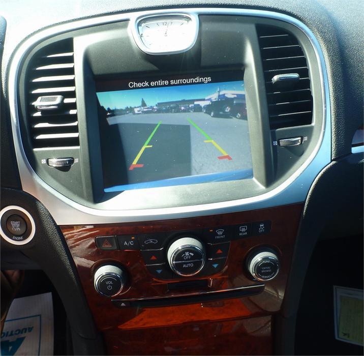 2014 Chrysler 300 Bluetooth Hands Free Back Up Camera