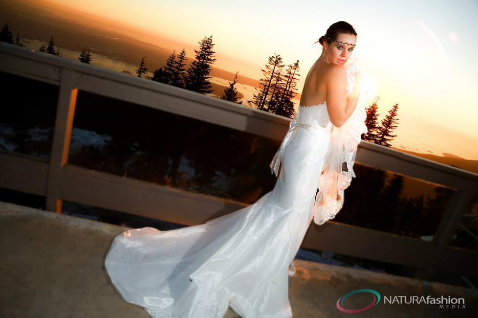 Mermaid wedding dress by enzoani sz 8 victoria city for Used wedding dresses victoria bc