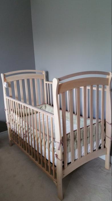 Half Price Ikea Mlam Queen Bed Frame Nightstands Chest