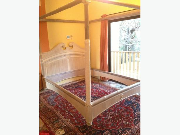 Queen size four poster canopy bed frame Saanich, Victoria - MOBILE