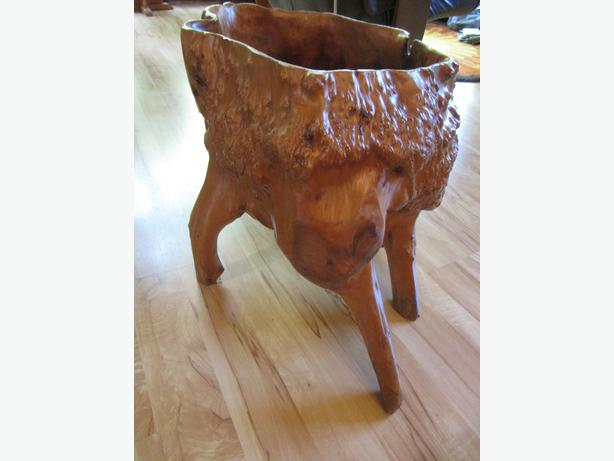 Sturdy Planter for indoor and outdoor use also have two bowls