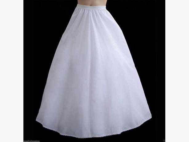 Wedding dress crinolin petticoat west shore langford for Used wedding dresses victoria bc