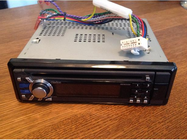 clarion cd player with usb and original wiring victoria. Black Bedroom Furniture Sets. Home Design Ideas
