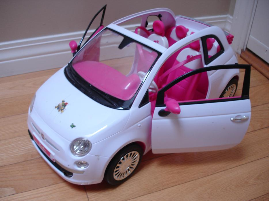 Likenew Barbie Stylish Convertable Fiat Car