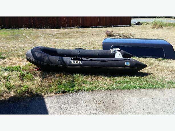 Inflatable Boat: Inflatable Boat Hard Floor