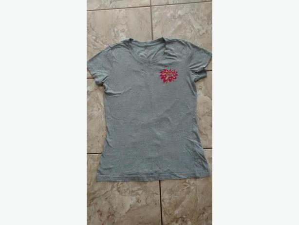 Ladies Roxy T-Shirt - Size Large