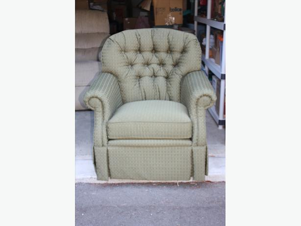 Green Swivel Rocker Chair North Nanaimo Parksville