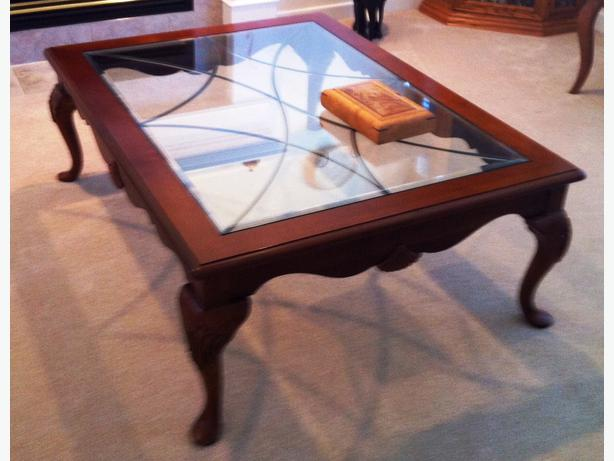 Coffee table and 2 matching end tables with drawers mill bay cowichan mobile Matching coffee table and end tables