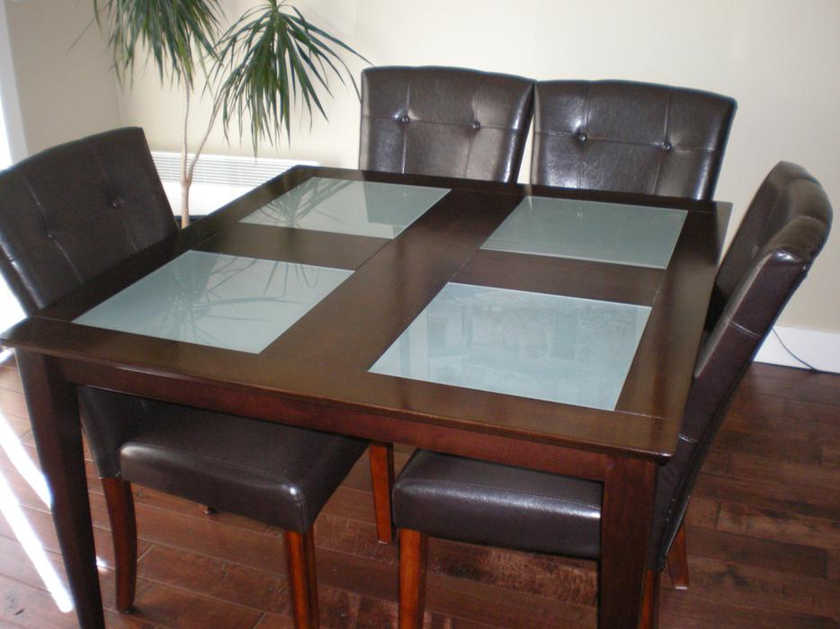 FOUR PIECE DINING ROOM PACKAGE Parksville Nanaimo