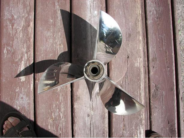 Merc 3 Blade 14 1/2 X30P Clever Prop For Sale