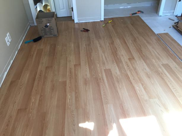 Good laminate flooring 120 square feet oak bay victoria for Laminate flooring waterloo