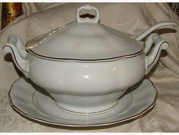 Porcelain Soup Tureen with Lid, Saucer and Ladle