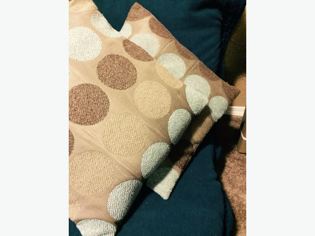 Decorative Pillows Victoria Bc : Throw pillows West Shore: Langford,Colwood,Metchosin,Highlands, Victoria