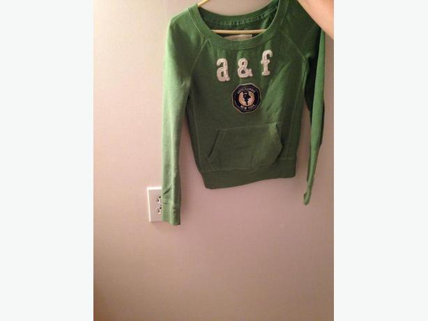 Abercrombie Green Sweatshirt