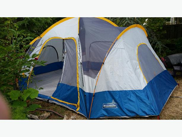 Broadstone 8 Person tent & Broadstone 8 Person tent Central Saanich Victoria
